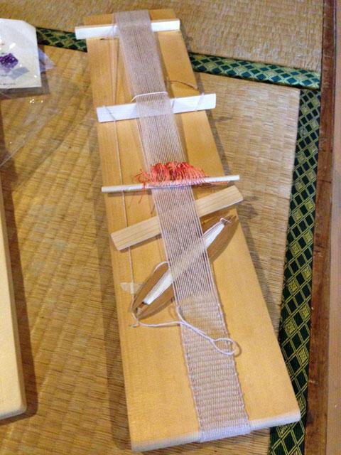試作を重ね開発したオリジナル手織りキット