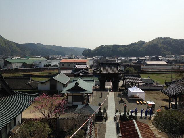 徳島・平等寺(本堂前からのぞむ風景)