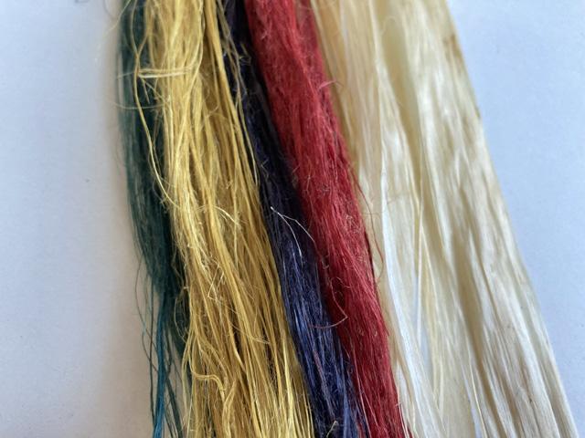 神楽鈴の国産精麻五色緒(草木染め)の各色を展開